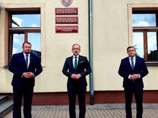 Minister Zdrowia Adam Niedzielski w Starostwie Powiatowym w Raciborzu