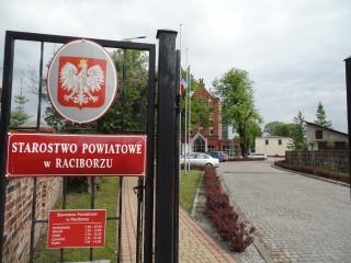Brama główna Starostwa Powiatowego w Raciborzu, autor: Starostwo Powiatowe w Raciborzu